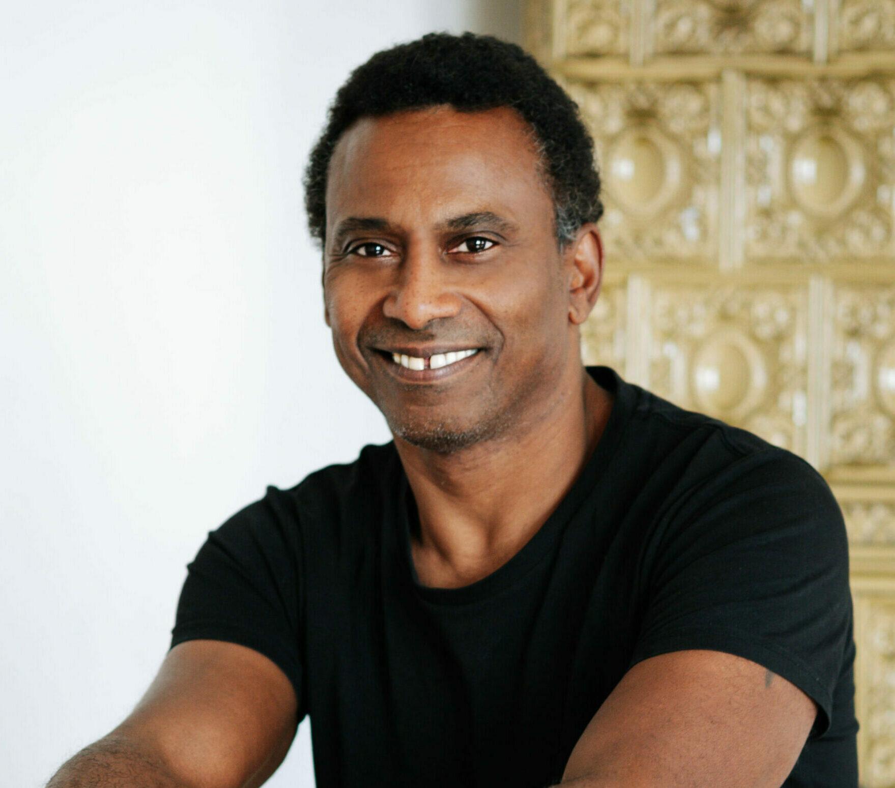 Portrait of Michael Sidhamo Johnson - Yin Yoga teacher at RE:TREAT