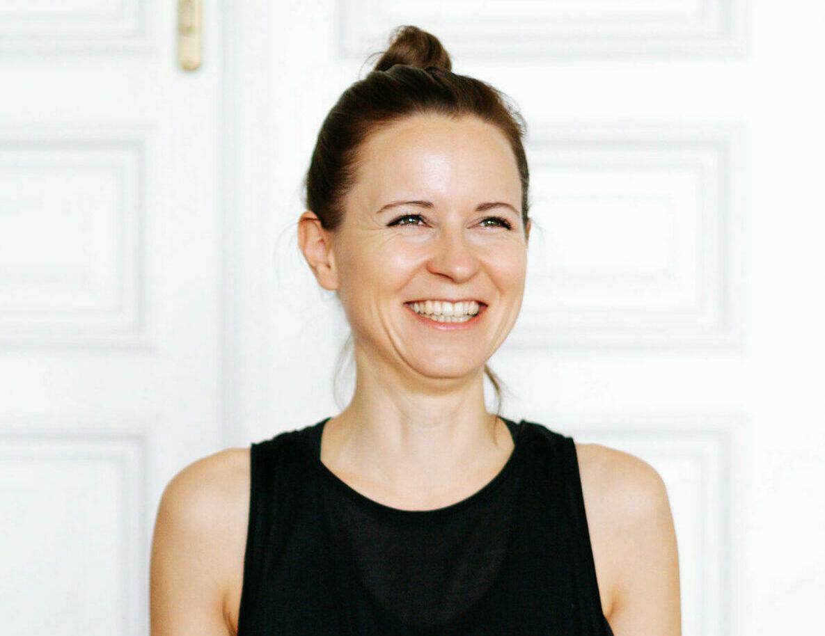 Portrait of Stefanie Mandl - Soul Flow Yoga/ Meditation/ Sound Bath teacher at RE:TREAT